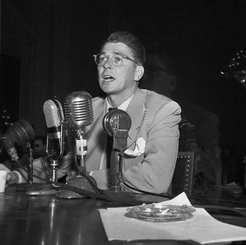 1947_Reagan-before-the-HUAC